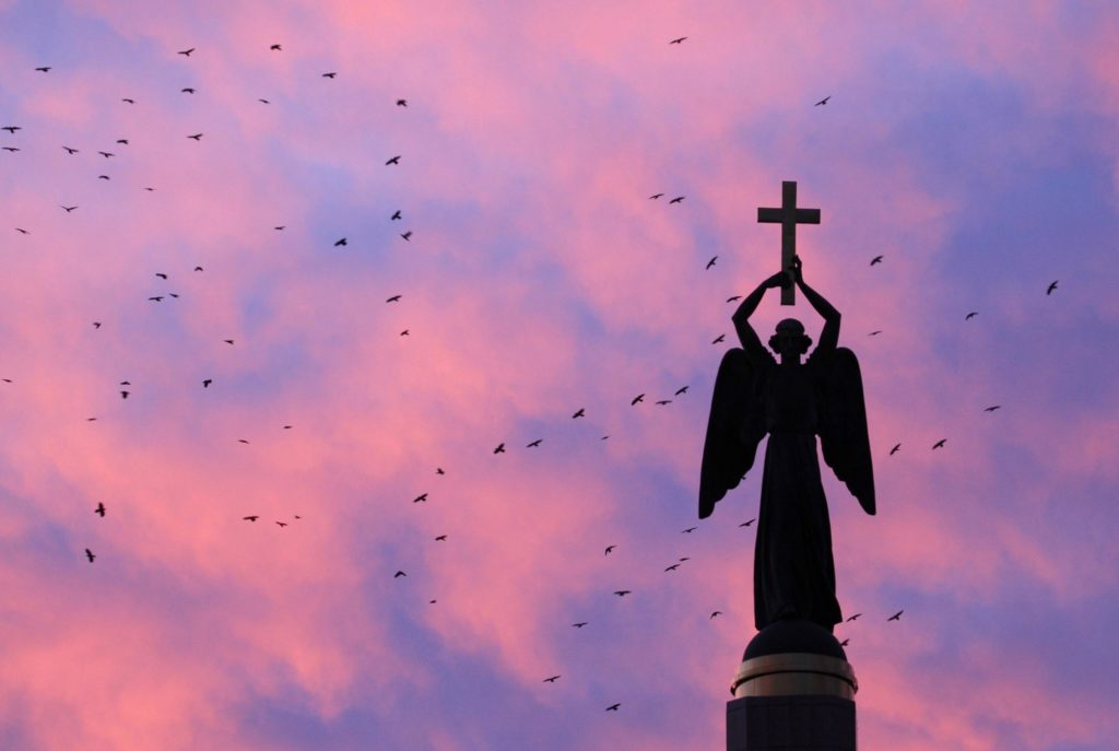 Find angels in Scripture — and everyday life - The Dialog